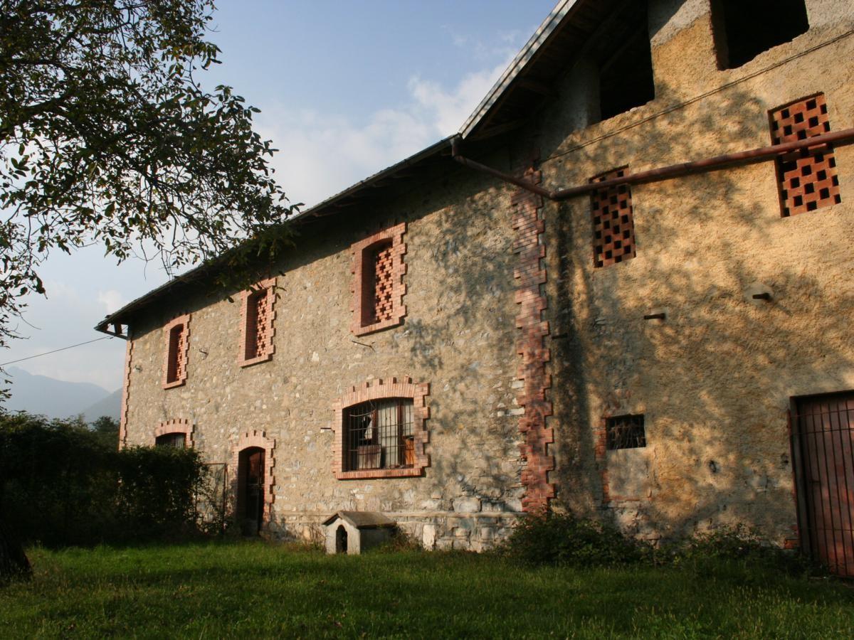 04_Grandola-ed-Uniti-casale-con-terreno-1200x900.jpg