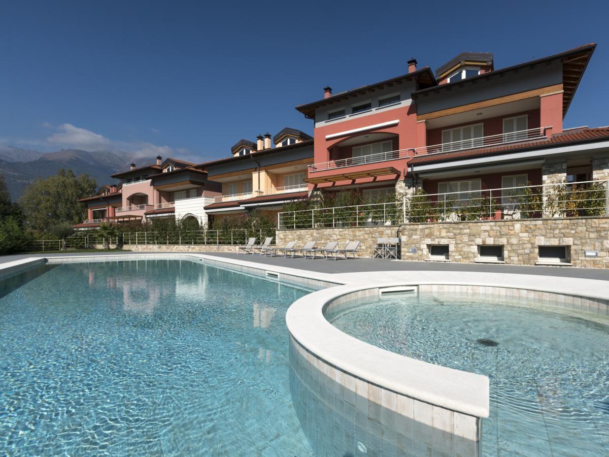 01_colico-lario-village-piscina-1200x900.jpg